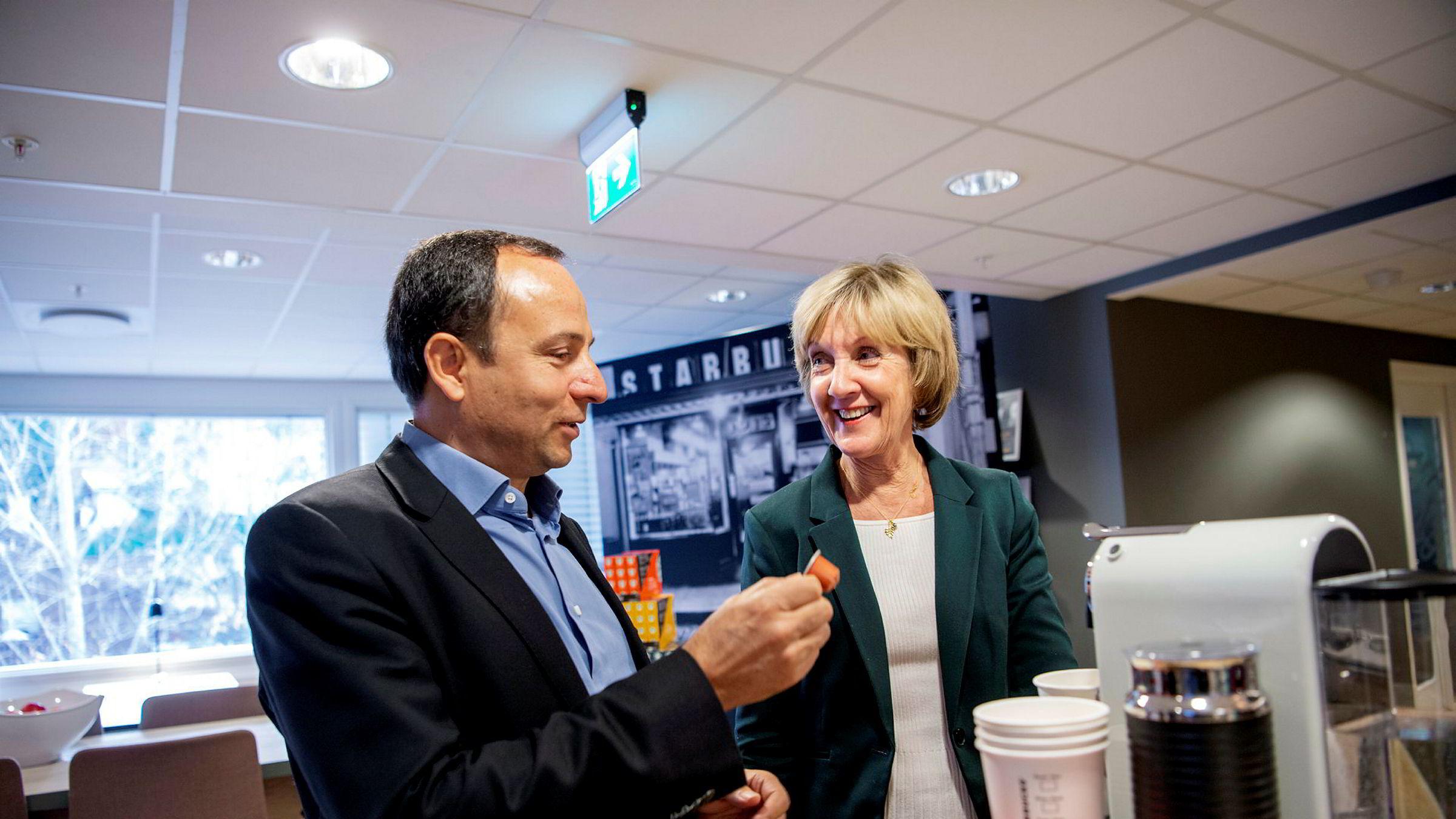 Vladimir Wendl og Angelika Rosenberg som er adm. dir og Kategorisjef for kaffe i Nestlé Norge. Starbucks inn i privatmarkedet