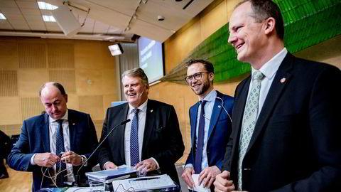 Samferdselsminister Ketil Solvik-Olsen bremser ingen utenlandske entreprenører. Her ved presentasjonen av ny nasjonal transportplan. Bak fra venstre: Morten Stordalen (Frp), Hans Fredrik Grøvan (KrF) og Nikolai Astrup (H)
