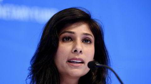 Gita Gopinath, IMFs sjeføkonom, advarer om at børsoppgangen virker frakoblet fra den økonomiske utviklingen.
