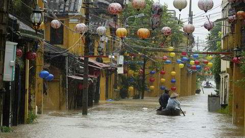 Bilde fra turistbyen Hoi An, hardt rammet av tyfonen Damrey.