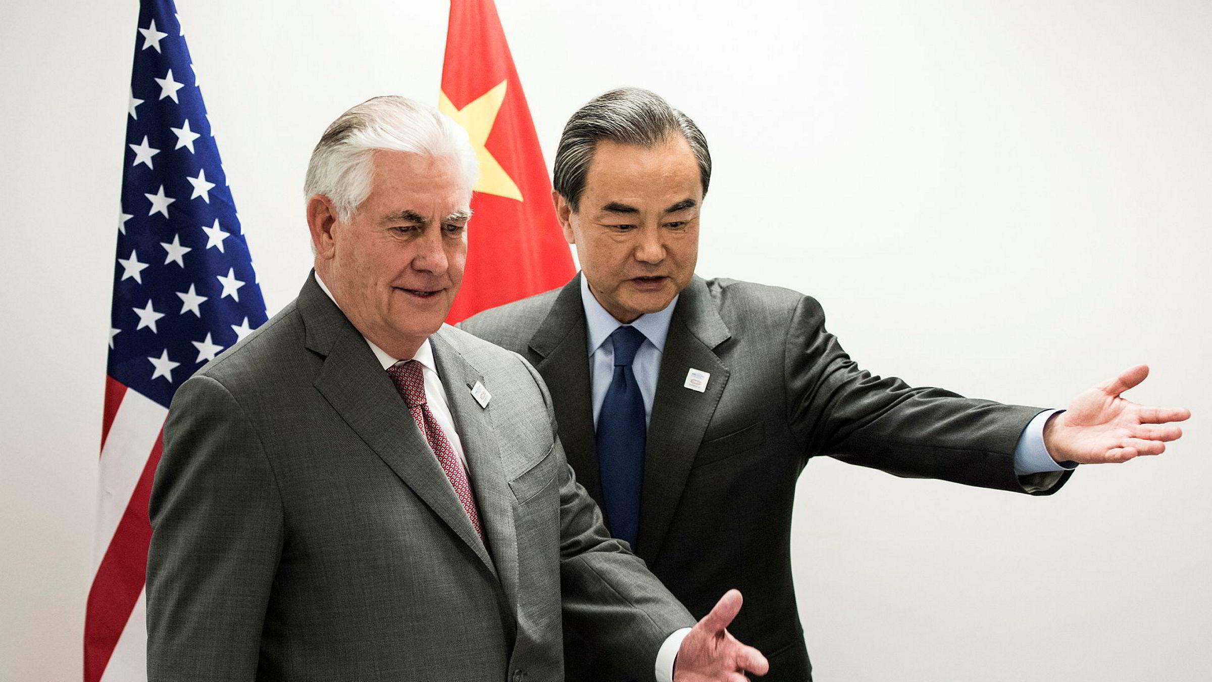 USAs utenriksminister Rex Tillerson og den kinesiske utenriksministeren Wang Yi møtes i forbindelse med et G20-møte i Bonn fredag.