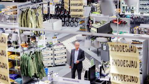 Milliardbeløp i børsverdier forduftet mens XXL-sjef Fredrik Steenbuch presenterte resultatet for andre kvartal fredag. Etterpå tok han seg runde i en kampanjepreget butikk på Alnasenteret, som er kjedens største målt i omsetning.