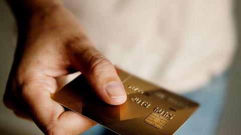 De mange årene Norge har hatt med høy gjeldsoppbygging og kredittkortfinansiert forbruk kommer med en kostnad.