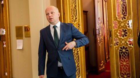 Trygve Slagsvold Vedum er mer populær som statsministerkandidat enn Jonas Gahr Støre (Ap) i en fersk måling.