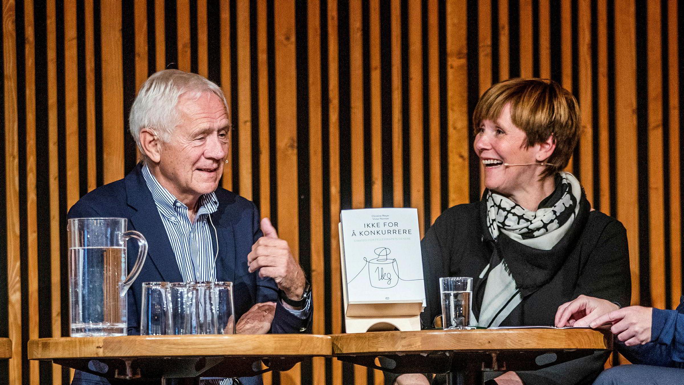 Ekteparet Christine Meyer og Victor Norman lanserte i høst boken «Ikke for å konkurrere».