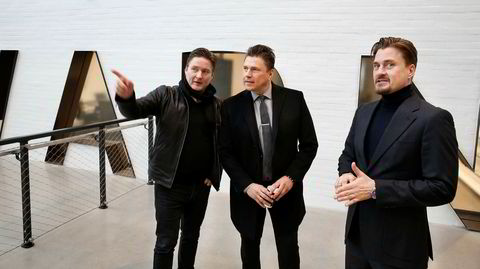 Brødrene Petter, Marius og Joakim Varner må snu seg kjapt for å kunne konkurrere mot nettbutikkene.