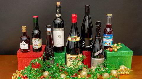 Julegavevin og andre flytende gaver kan fås i de fleste varianter og prisklasser.