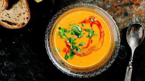 Klassisk. Rød linsesuppe er den mest utbredte og ikoniske suppen fra Midtøsten. Den kan lages på mange måter, men er først og fremst svært enkel.