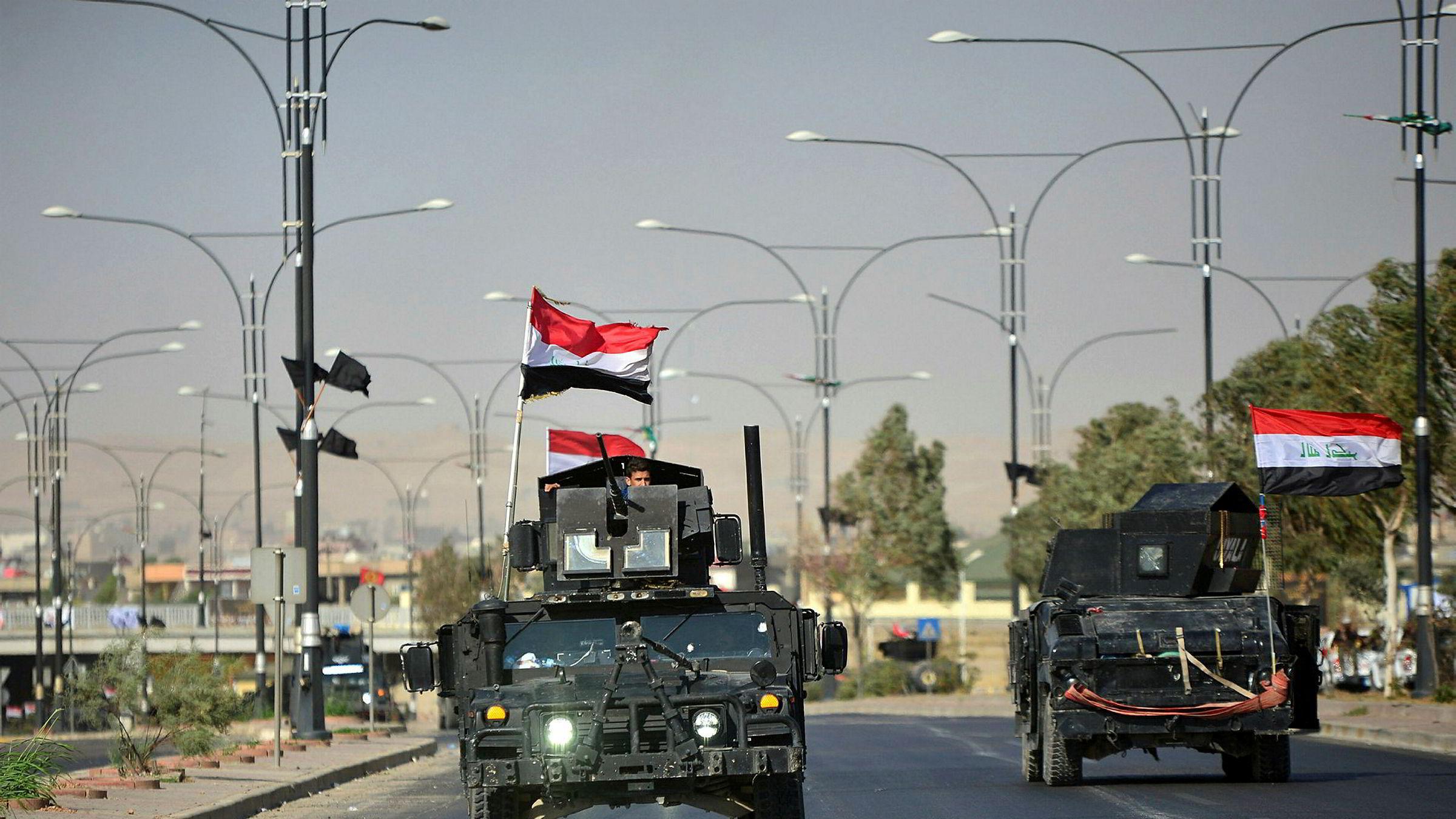 Irakiske militæret er nå sammen med føderalt politi eneste bevæpnede styrker igjen i Kirkuk.
