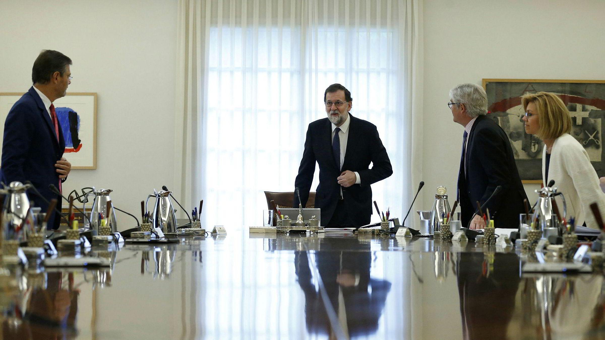 Spanias statsminister Mariano Rajoy ledet lørdag et ekstraordinært regjeringsmøte i Moncloa-palasset i Madrid.