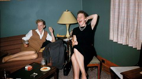 Gammel moro. Bildet av de to damene med latterkrampe er Lee Shulmans favoritt. Han aner ikke hvem de er eller hva de ler av.