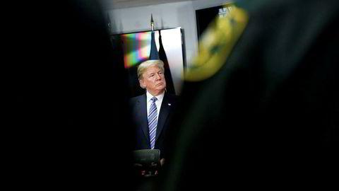 USAs president Donald Trump lover å innføre strengere bakgrunnssjekk av personer som kjøper våpen i USA.