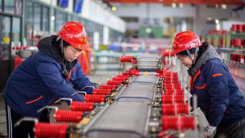 Da koronapandemien satte inn i Kina for ett år siden var det frykt for at dette ville føre til stans i produksjon av elektronikk og andre viktige komponenter. Det skjedde ikke.