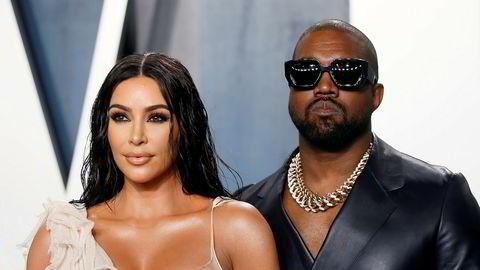 Kim Kardashian West skal ha fått 200 millioner dollar for salget av 20 prosent av sminkemerket KKW. Her med sinn mann, rapstjernen Kanye West.