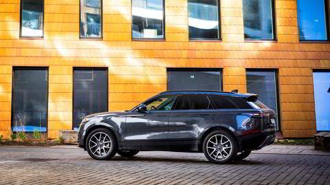Range Rover Velar er lavere og kortere enn de andre Range Roverne, og kan føles litt mer personbilaktig med sin noe lavere sittestilling.